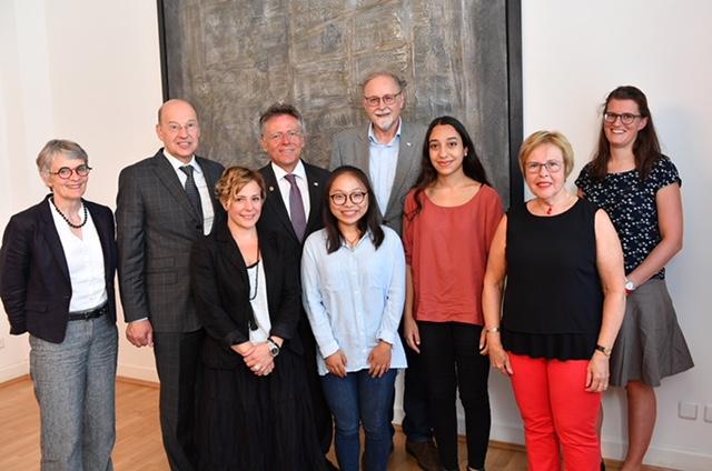Migranten-Stipendium für Sarah Poursheyki