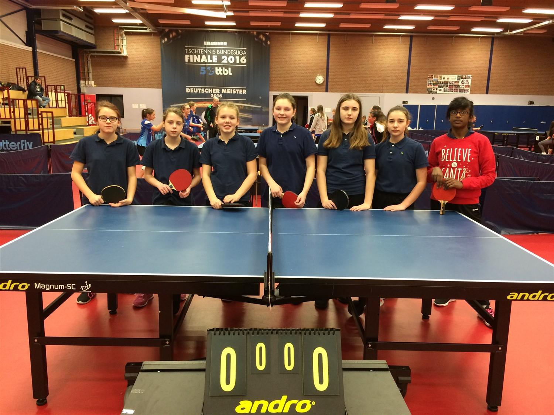 Erfolgreich: Unsere Mädels erreichen beim NRW-Landesfinale im Tischtennis den 4. Platz