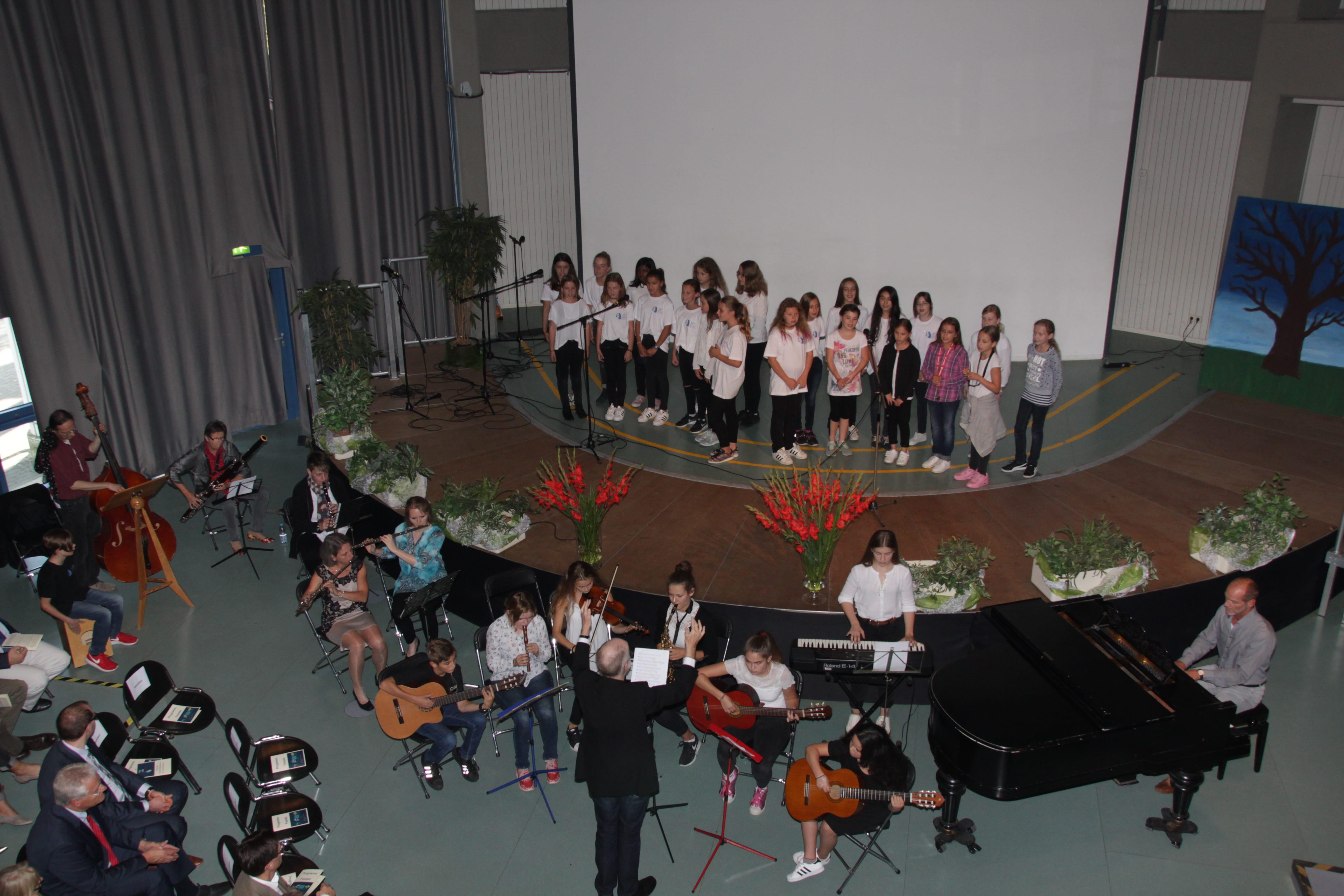 Beginn der Proben des Schulorchesters